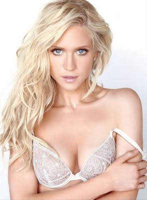 Brittany-Snow-2 copy.jpg
