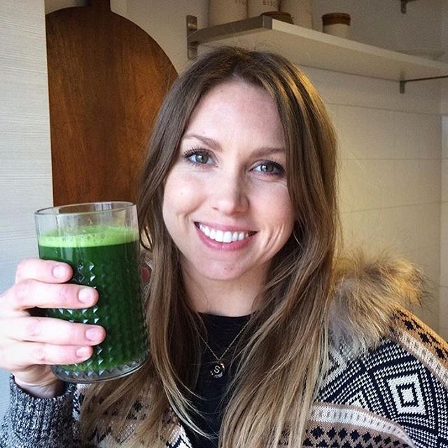 This girl @sommerbuss is killin the #14dayfeast all the way in Italy! She is substituting her lunch with a juice made with her blender! Simple, nutritious, and delish👌🏼🍏🥒🌿🍎🍐🍋🍊🍏🥝🥕 #nourish #nourishverb #juicetohealth #juice #greenjuice