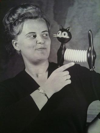 libuse-niklova-portrait-thumb-330x439-74266.jpg