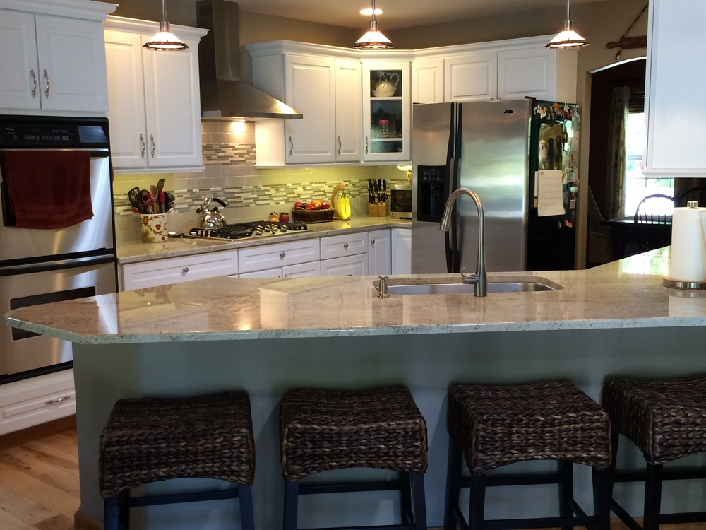 Kitchen_Roberts, Melanie & Daryl Installation (2).JPG