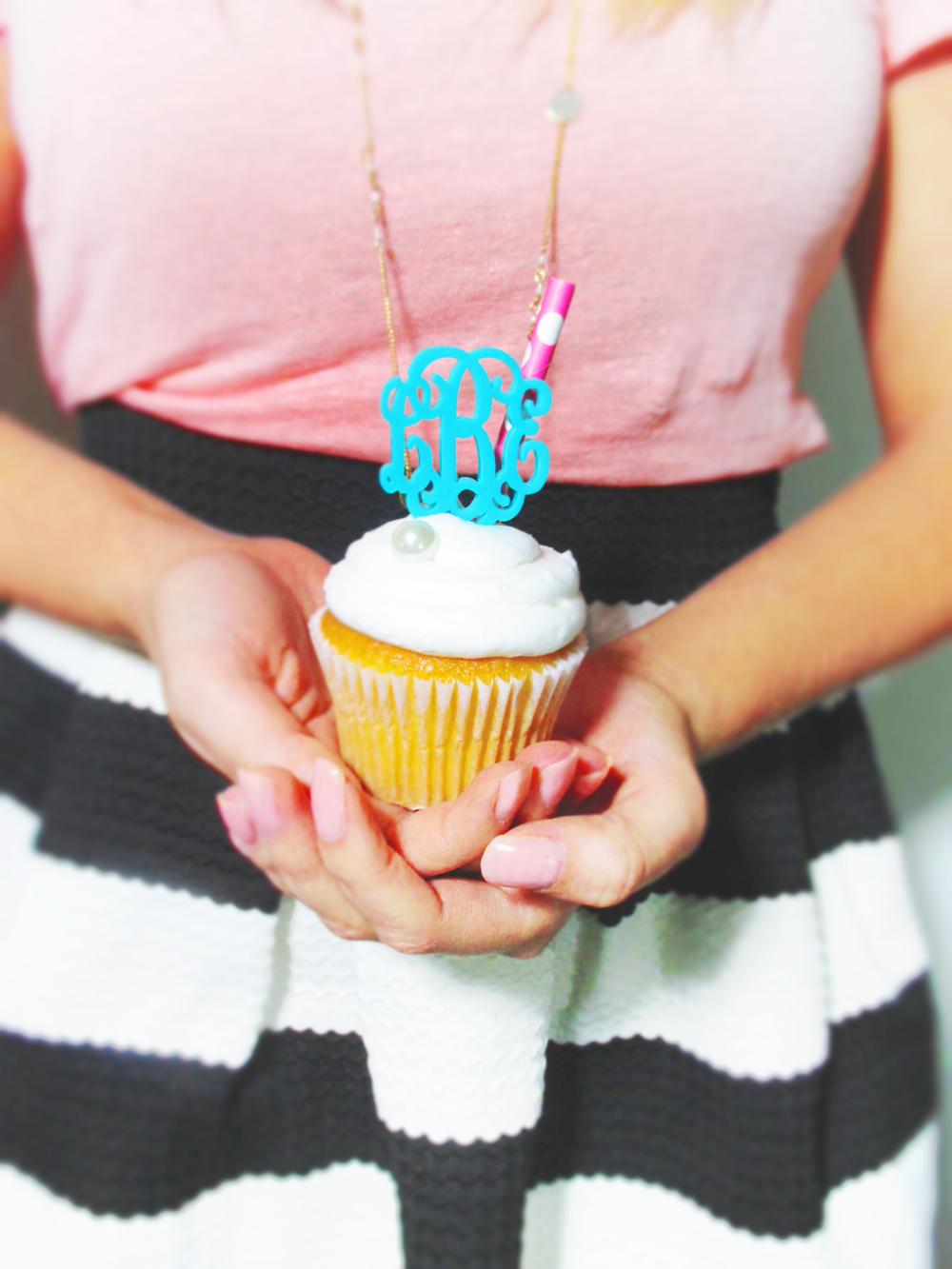Cupcake Topper Aqua.jpg
