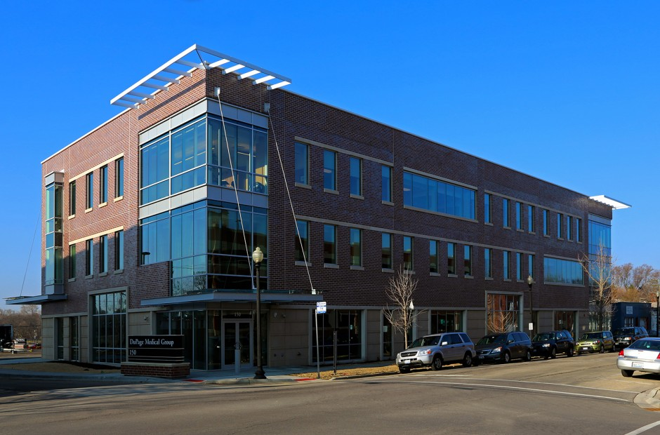 DuPage Medical Group Wheaton Exterior 1.jpg
