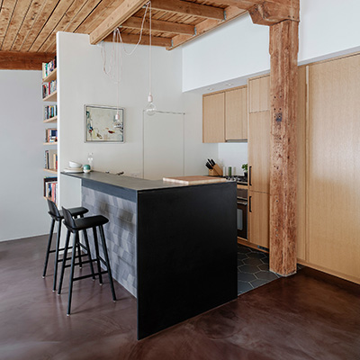 Dezeen   General Assembly Exposes Wooden Beams Inside Revamped Brooklyn Loft