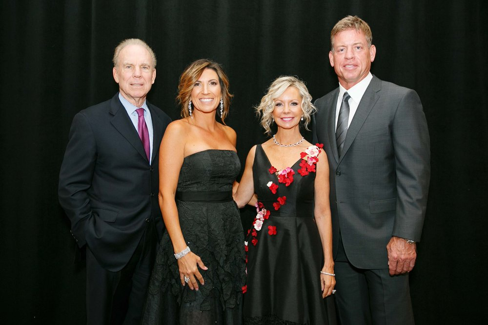 Roger Staubach, Giora Barker, Lisa Cooley, Troy Aikman by Hiram Trillo.jpg