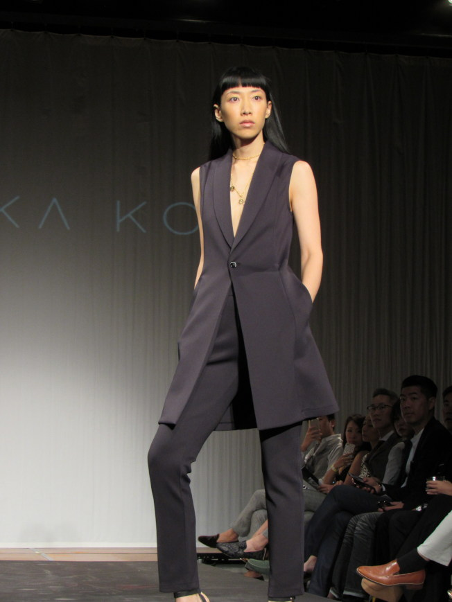 Minika Ko 柯詩群的品牌「Kovasky」以勇敢的女強人為形象,打造俐落造型。(記者顏嘉瑩/攝影)