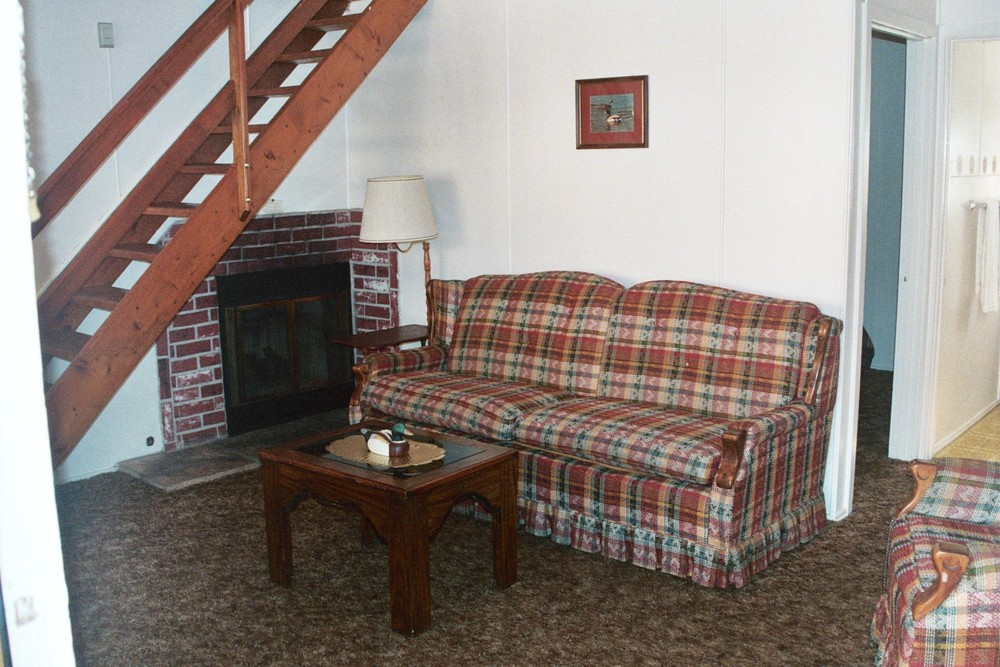 Cabin 7 Downstairs.JPG