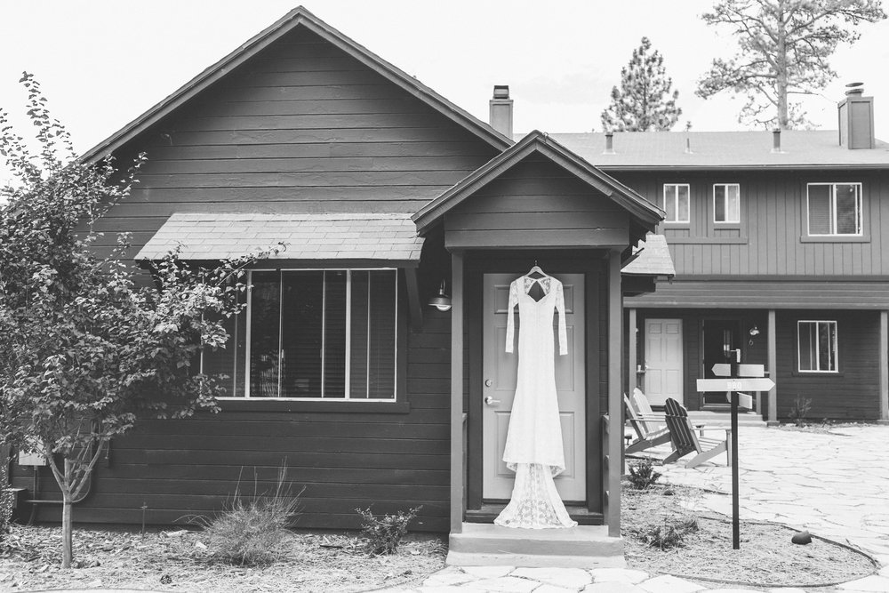 THEDELAURAS_NOONLODGE_BIGBEAR_WEDDING_MOUNTAIN_LAKE_DESTINATION_SHAYVINCE_BLOG0037 12.58.17 PM.jpg