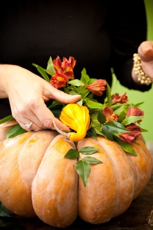 Thanksgiving-Fall-Tablescape-Ideas-From-Holly-Chapple-10-300x450.jpg