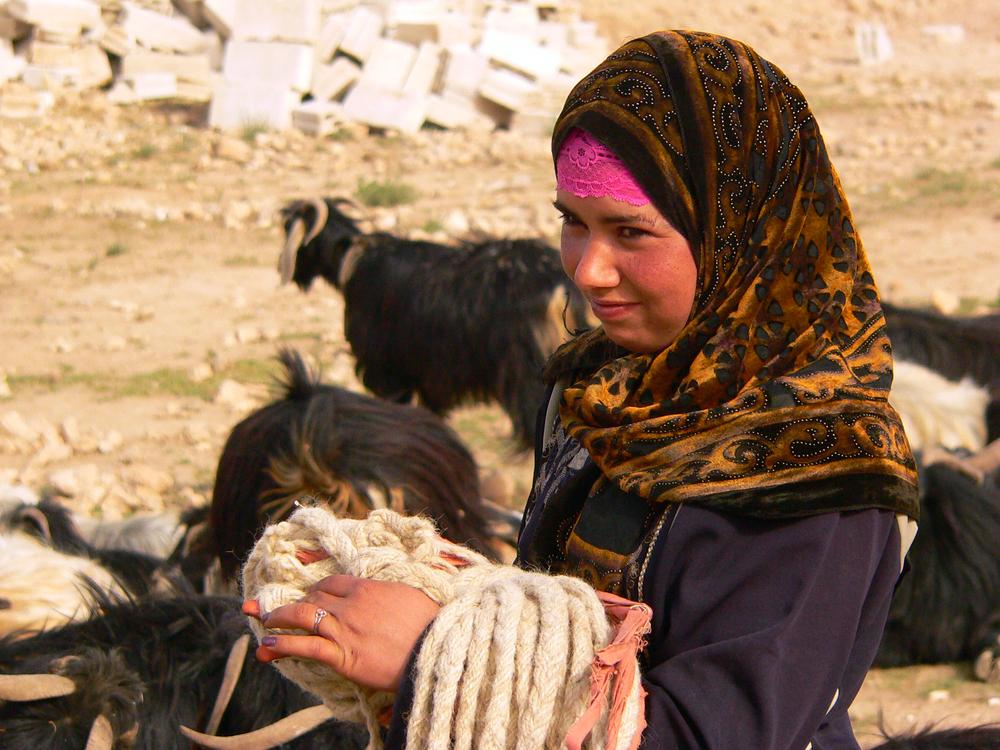 bedouin girl.JPG
