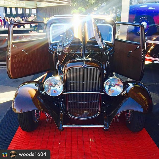 Have you checked this bad boy out yet!? #SEMA is quickly racing by! Make time to see world renowned Richard Wood, and his completed version of legendary hot rod builder, Barry Lobeck's final project- The '32 Ford Roadster! Booth# 61041 The #Mecum Motor Experience- [Richard will be signing autographs check website for times/locations] #richardwoodkustoms #barrylobeck #richardwoodford #ford #fordroadster #mecum #richardwood #hotrod #vintagecar #lasvegas #wyotech #goldeagle #seamsridiculousupholstery @seams_ridiculous @semashow @semaignited