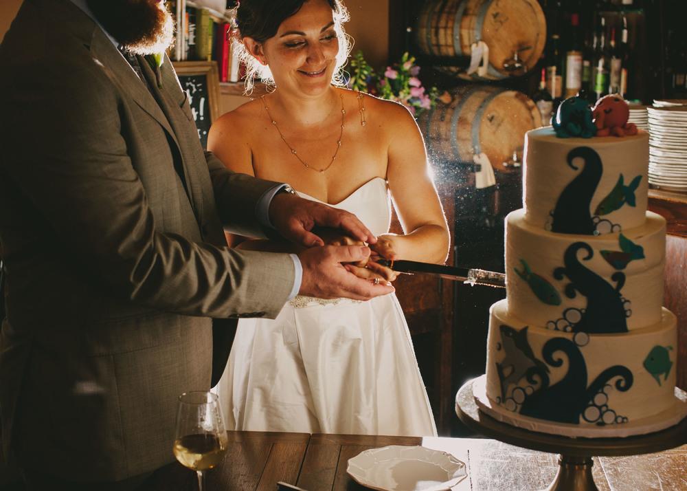 crunkleton wedding cake cutting photos