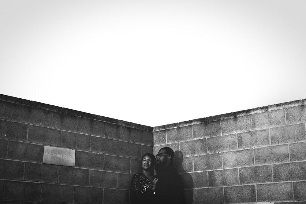 north_carolina_art_musuem_black_and_white_engagement_photo.jpg