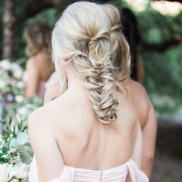 Lovin' this braided bridesmaid's hairstyle! . . Hair | @designvisage #Dvtiffany #dvamy #dvgiovanna #dvmichelle  Venue | @quailranchevents Planner | @wheatandhoneyevents Photo | @brooke_borough . .  #weddinghairstylist #weddinghair #weddinghairpiece #weddingheadpiece #weddingupdo #bridalhair #bridesmaidhair