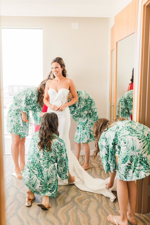 07-huntington-beach-wedding-bridal-hair-and-makeup