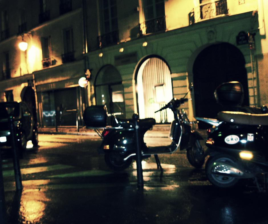 Paris Motos FB.png