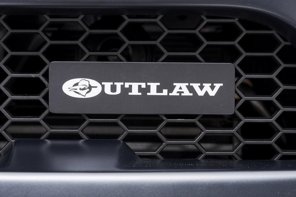 Hilux Outlaw-88.jpg