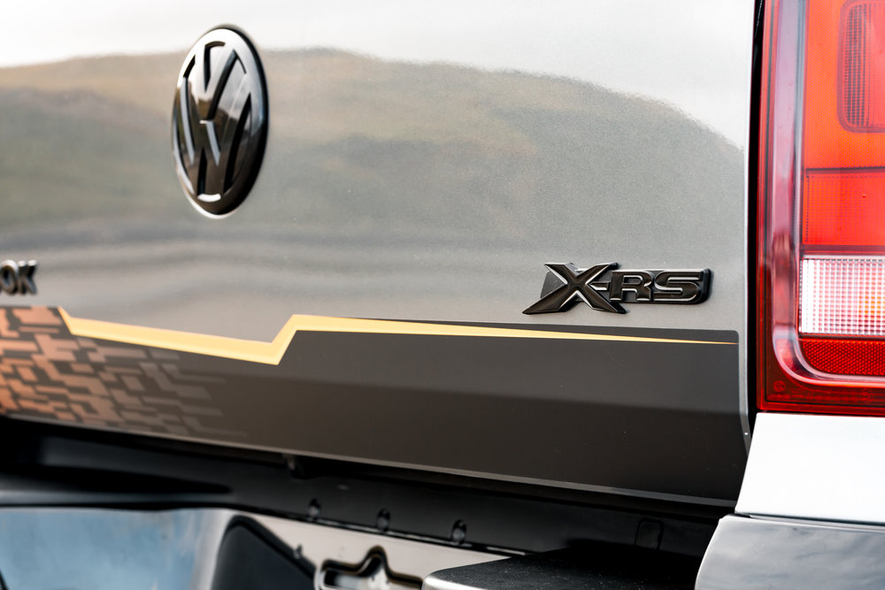 X-RS exterior decals and badges with blackout parts.