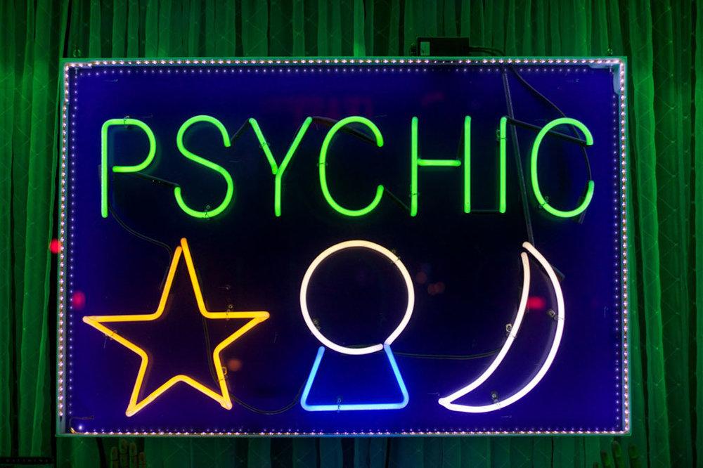 sign_psychic-436725_1010x670.jpg