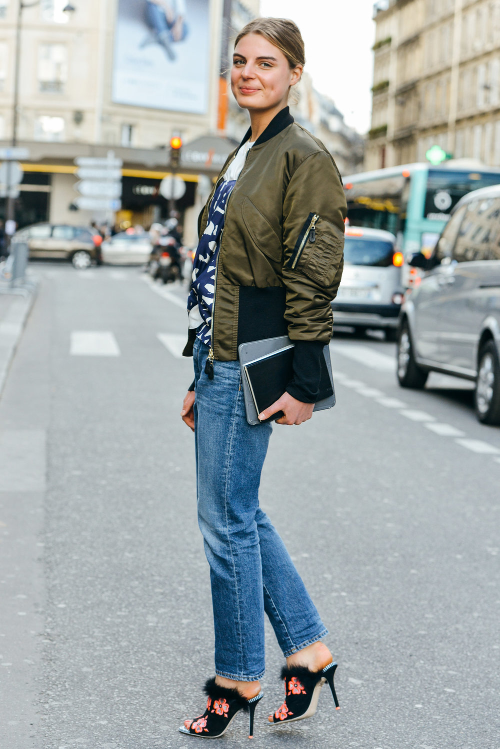 how-to-wear-a-bomber-jacket.jpg