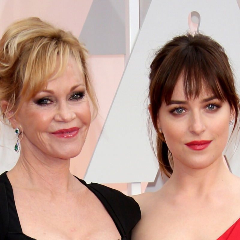 o-MELANIE-GRIFFITH-DAKOTA-JOHNSON-facebook.jpg