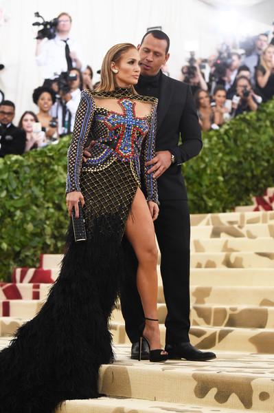 Jennifer+Lopez+Heavenly+Bodies+Fashion+Catholic+uisvEOAMlkal.jpg