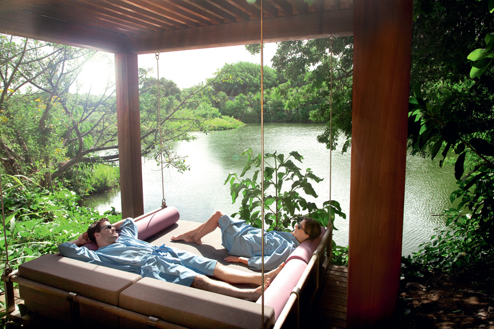 outdoor-spa-room