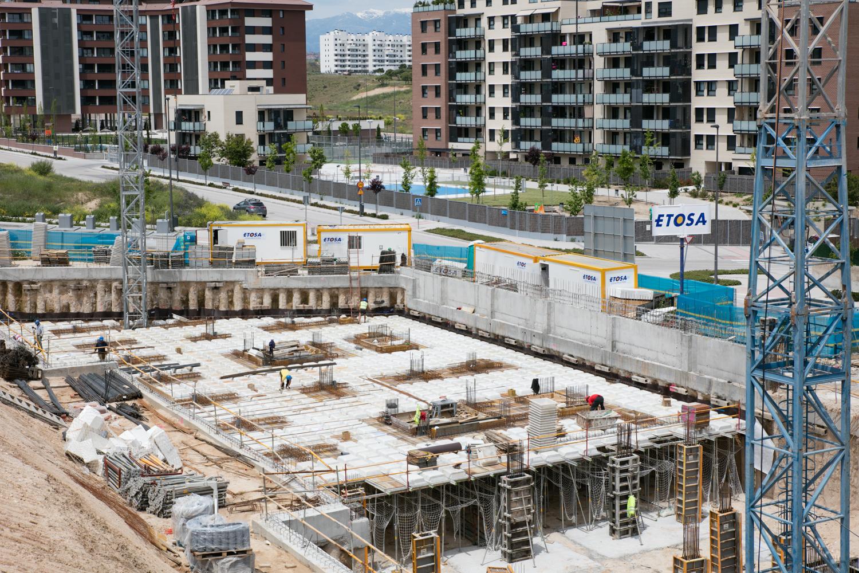 Proyecto: 43 Viviendas VPPB, trasteros, garajes y piscina — Etosa