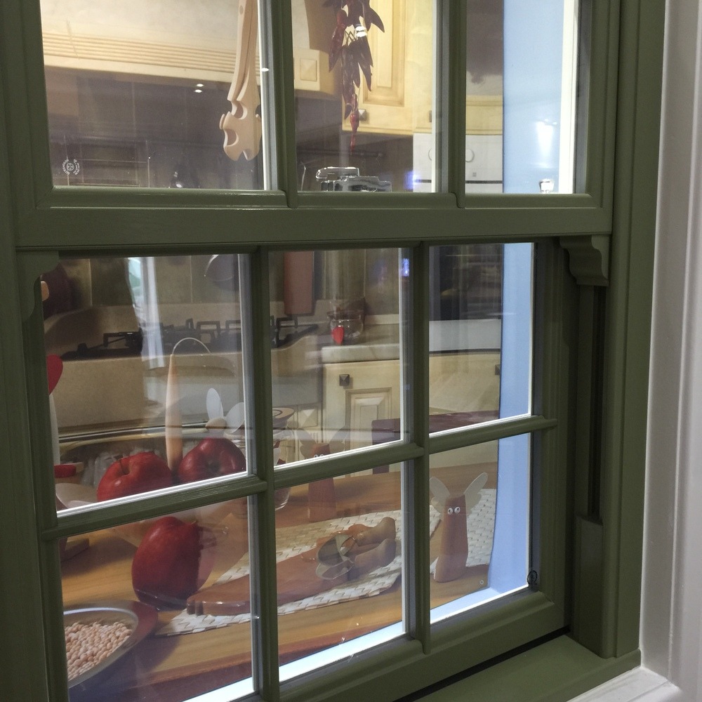 Sash Windows In Farrow And Ball Or Dulux Heritage - Calke green farrow and ball