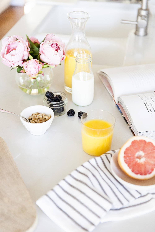 bedside-breakfast