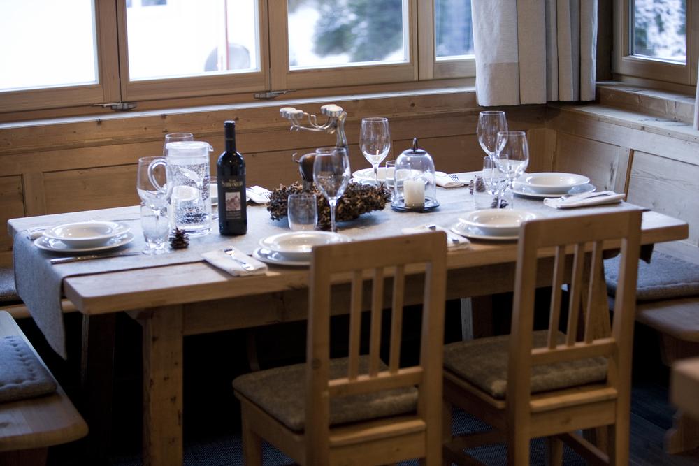 Dinner table Boè