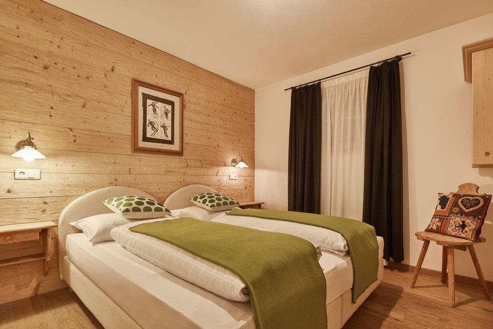 103 Bedroom.jpg