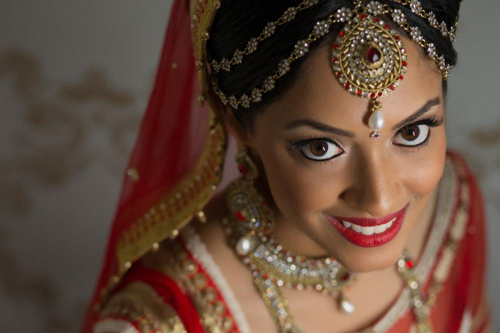 3.2. Hindu Wedding Day Shoot Portrait Bride - Surrey.jpg