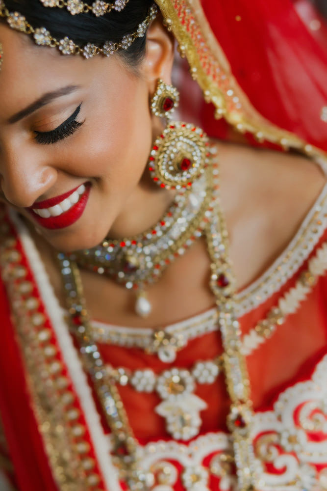 4.1.1.2. Gujerati Hindu Wedding Day Shoot Portrait Bride - Surrey.jpg