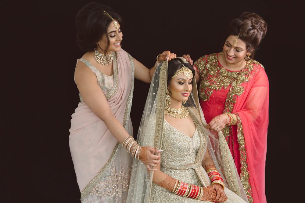 1.1.2.0.2.1 Sikh Wedding Day Photojournalism Family - Southall Gurdwara.jpg