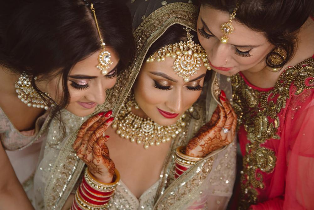 1.1.2.0.2.1.1 Sikh Wedding Day Photojournalism Family - Southall Gurdwara.jpg