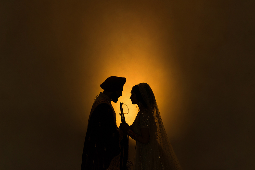 4.1.3.3.2 Sikh Wedding Day Shoot Portrait Bride - Hounslow Gurdwara.jpg