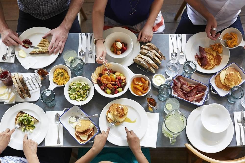 Breakfast     9-11.30am daily