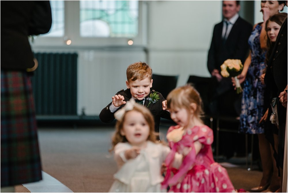 Edinburgh-wedding-photographer-Central-Hall_0036.jpg