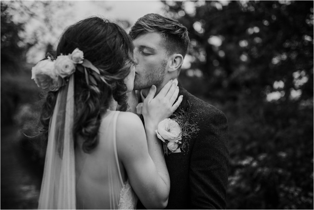 Outdoor-country-wedding-Edinburgh-photographer__0209.jpg