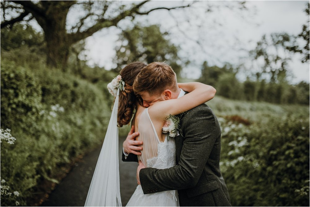 Outdoor-country-wedding-Edinburgh-photographer__0210.jpg