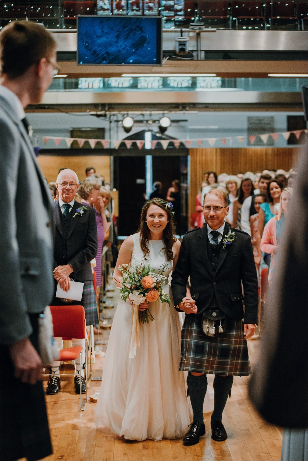Edinburgh-barn-wedding-photographer_34.jpg