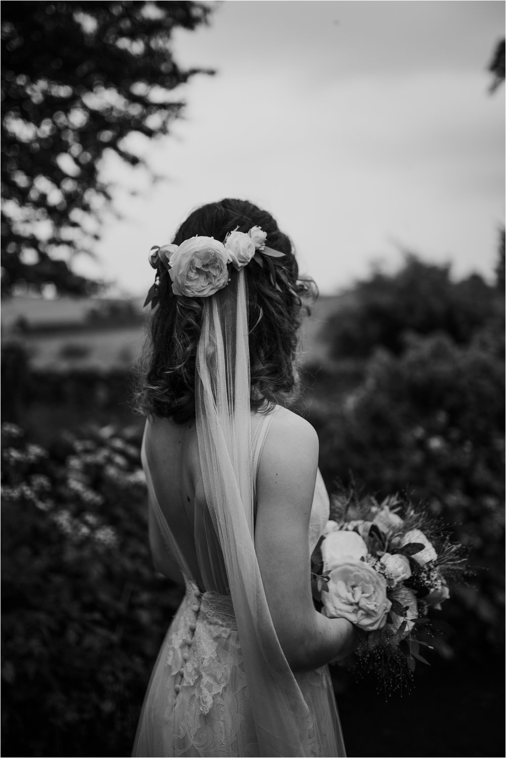Outdoor-country-wedding-Edinburgh-photographer__0212.jpg