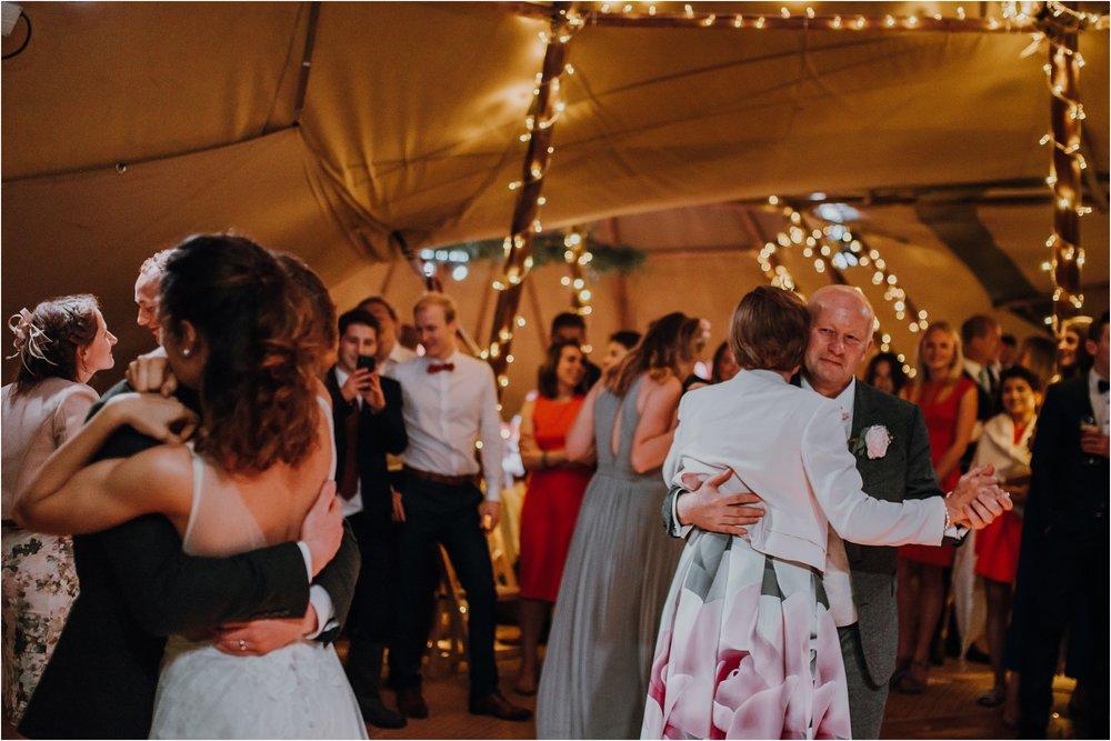 Outdoor-country-wedding-Edinburgh-photographer__0255.jpg
