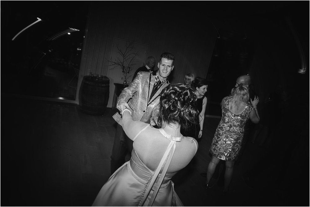 Guardswell_Farm_wedding_photography_Claire_Fleck__0104.jpg