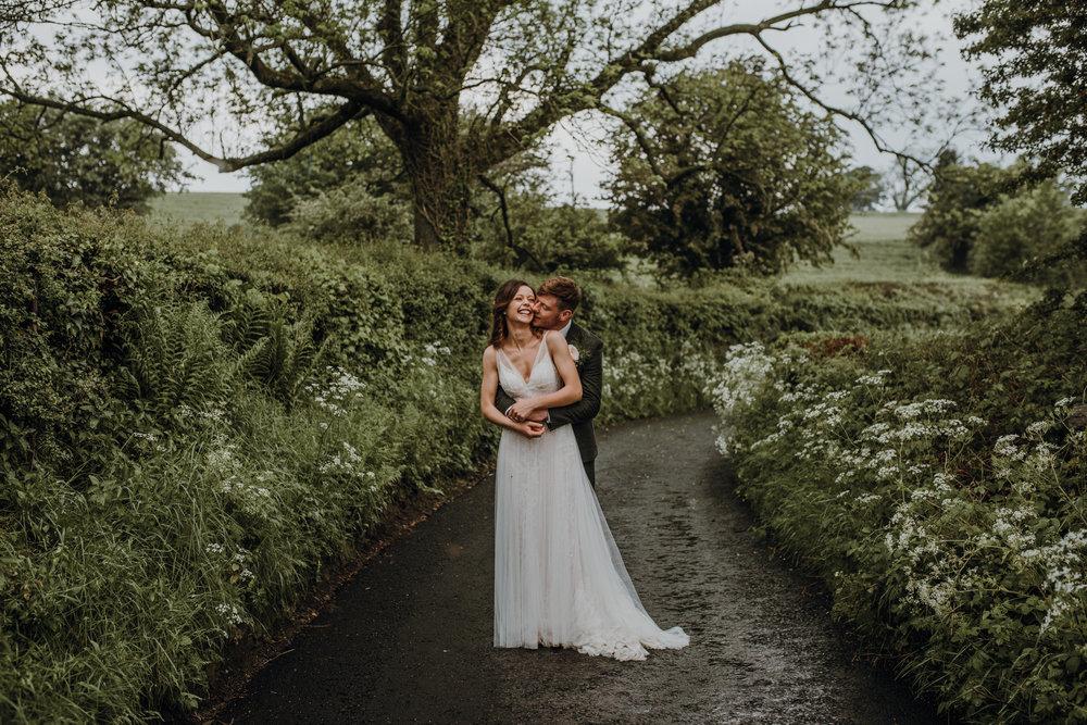 Countryside tipee wedding