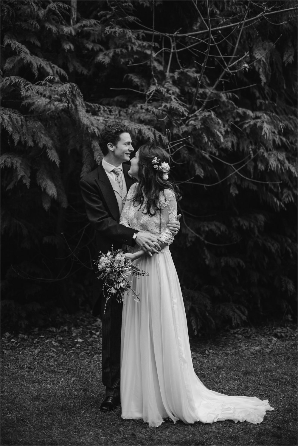 Rose+Harry-outdoor-english-wedding-photography__0150.jpg