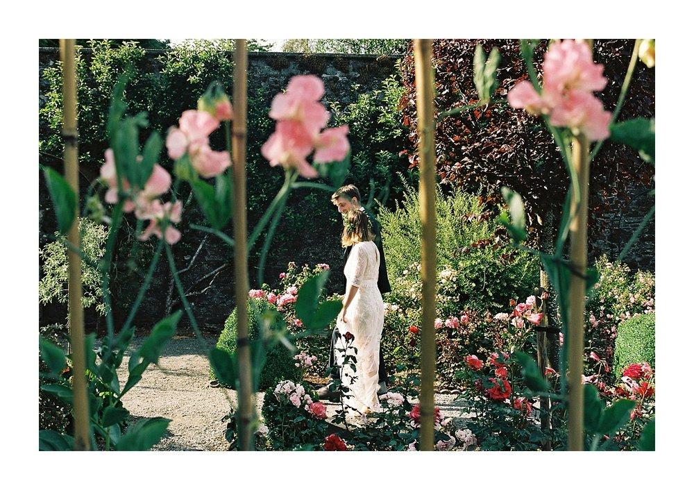 Kailzie-Gardens-Wedding-Photography__0078.jpg
