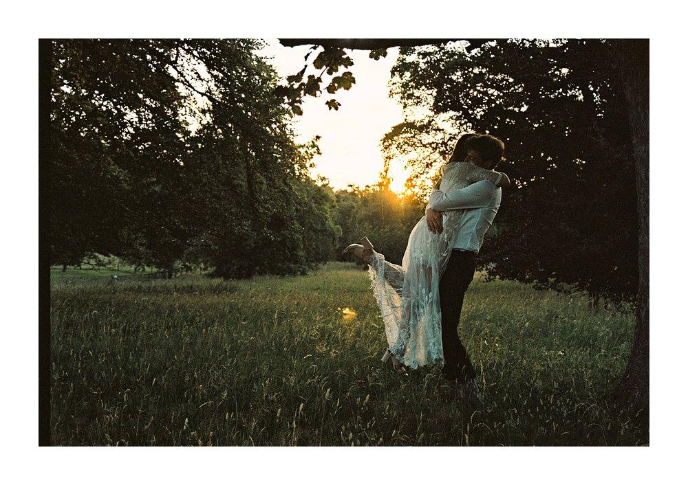 Kailzie-Gardens-Wedding-Photography__0094.jpg