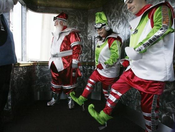 Even Santa needs to take the elevator once in a while.
