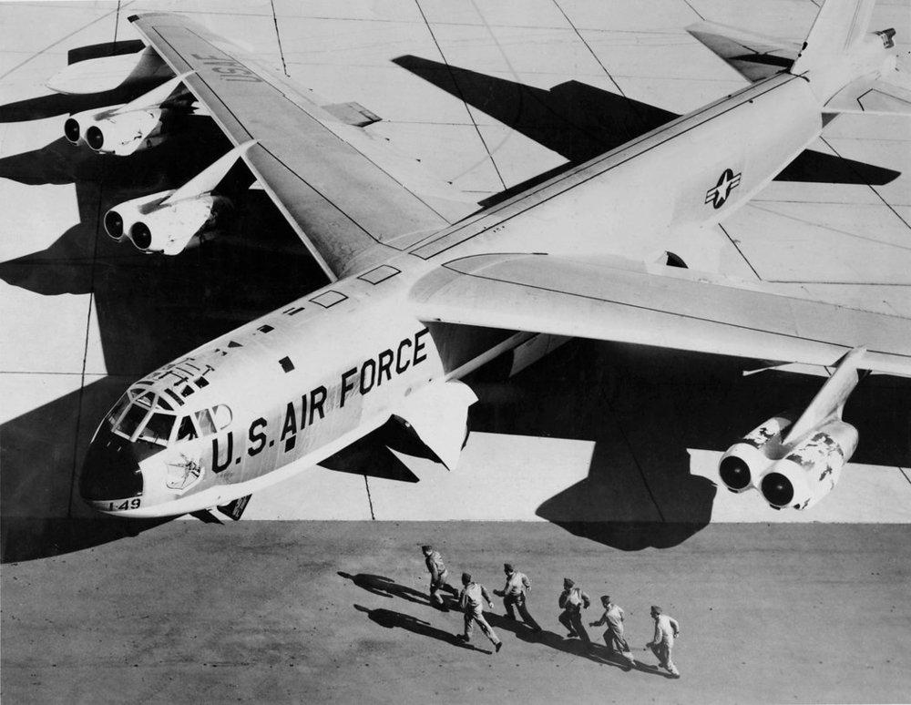 bomber-listy3-master1050.jpg
